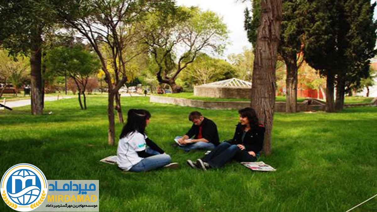 لیست دانشکده ها و برنامه های ارائه شده در دانشگاه اوشاک